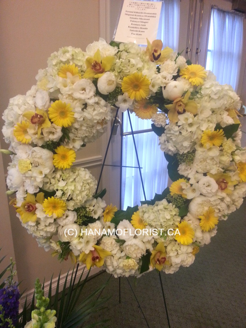 SYMP121A Modern Wreath Medium with Full Flowers