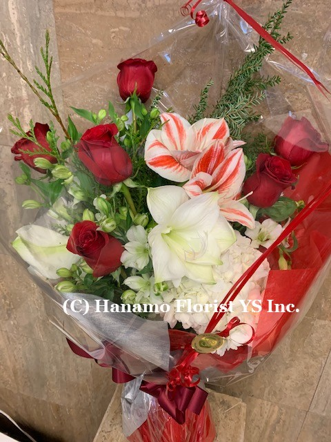 CMAS319 Christmas Hand-tied Bouquet in Cello ML size