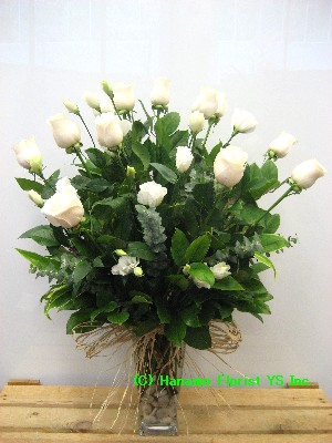 VALE001 1Doz Best Long Stem WHITE Roses in Vase Classic